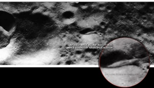 880alien-spaceship-on-the-moon-AS15-P-9625