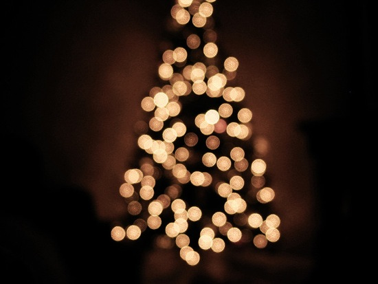 christmas-tree-white-lights